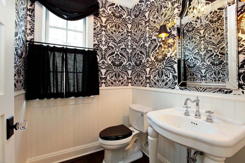 Черно-белая ванная комната с орнаментом