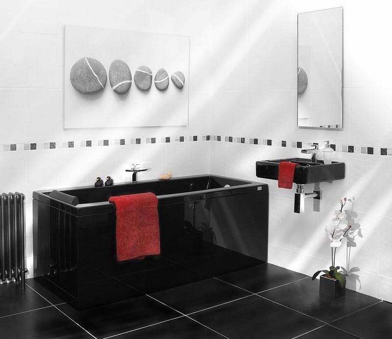 Черно-белая ванная комната в черной сантехникой