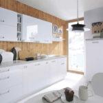 Дизайн белой кухни в скандинавском интерьере