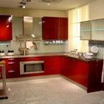 дизайн большой кухни красный гарнитур