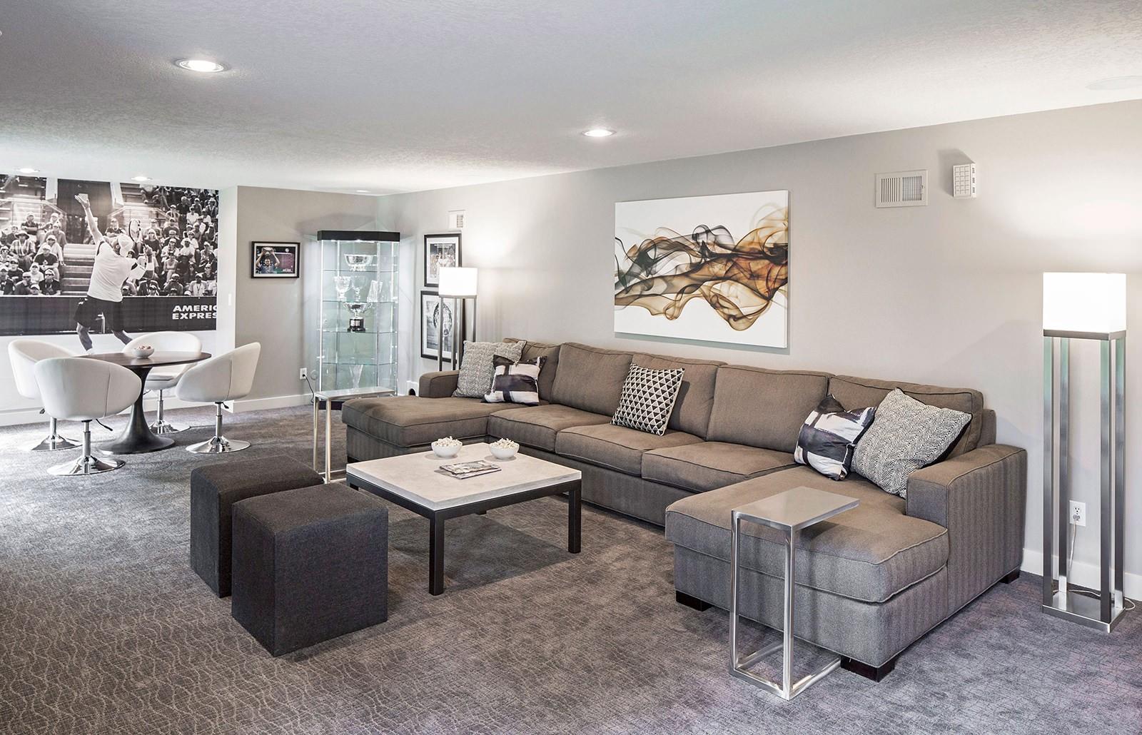 дизайн гостиной с диваном
