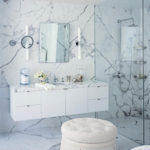 Белая ванная комната мраморная текстура