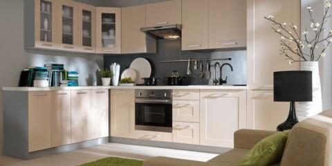 Бежевая кухня и серый цвет