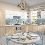 Бежевая кухня со светло-голубым и белым
