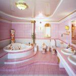 Большая ванная комната барокко