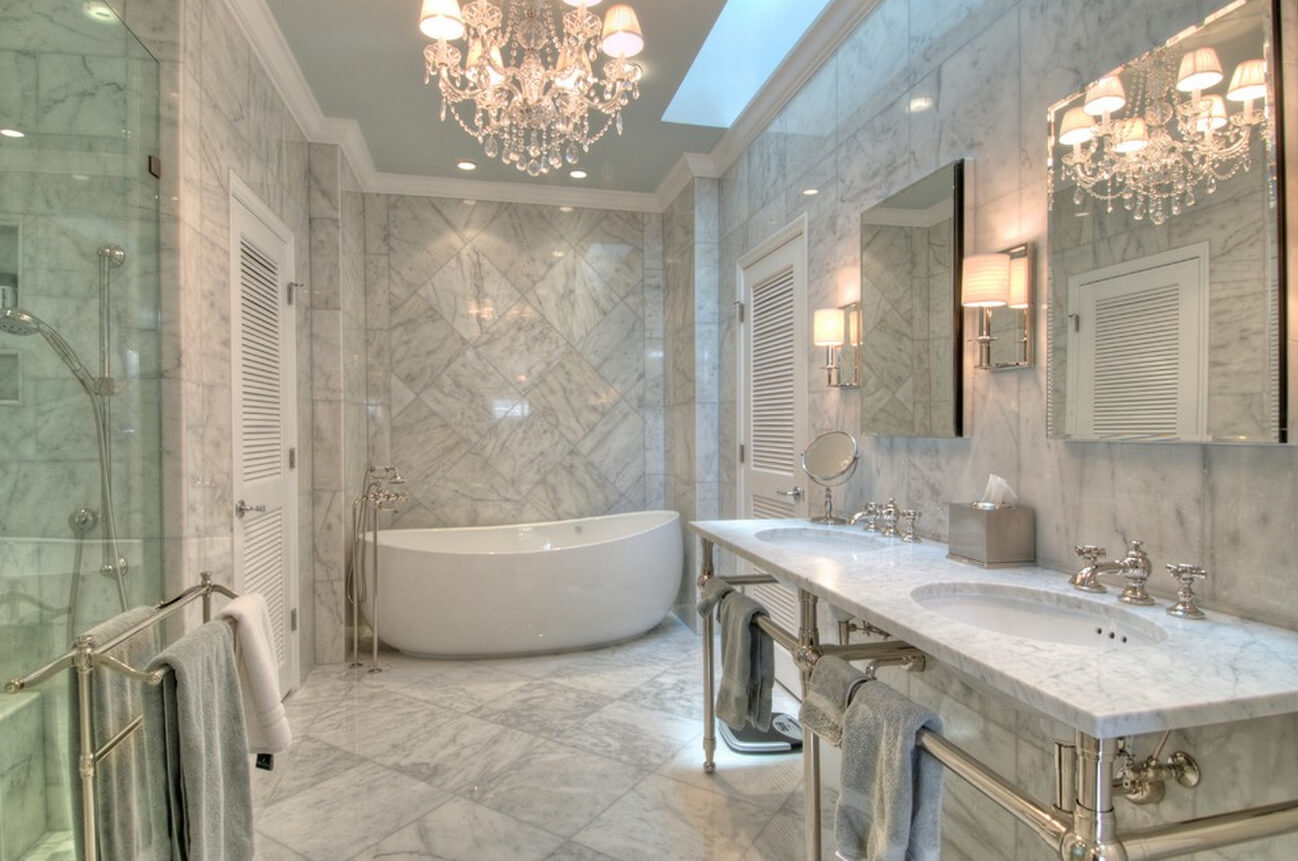 Большая ванная комната мраморный рисунок