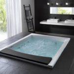 Большая ванная с джакузи