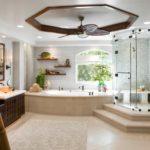 Большая ванная с джакузи и душевой