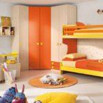 Декор детской комнаты оранжево-желтый декор
