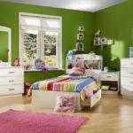 Декор детской комнаты зеленые стены белая мебель
