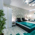Декор спальни ассиметричный хай-тек в бриллиантовом зеленом