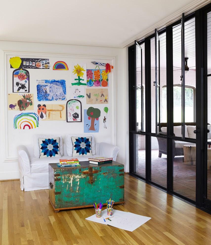 Декор в детской комнате детские рисунки