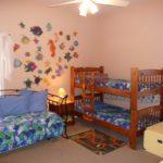 Дизайн детской комнаты для двух разнополых детей кровать из массива