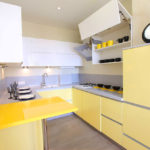 Дизайн кухни в современном стиле минимализм и прямые углы
