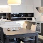 Дизайн кухни в современном стиле с обеденной зоной