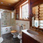 Дизайн ванной комнаты в деревянном срубе