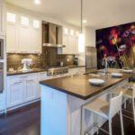 Фотообои в интерьере кухни макросъемка полевых цветов