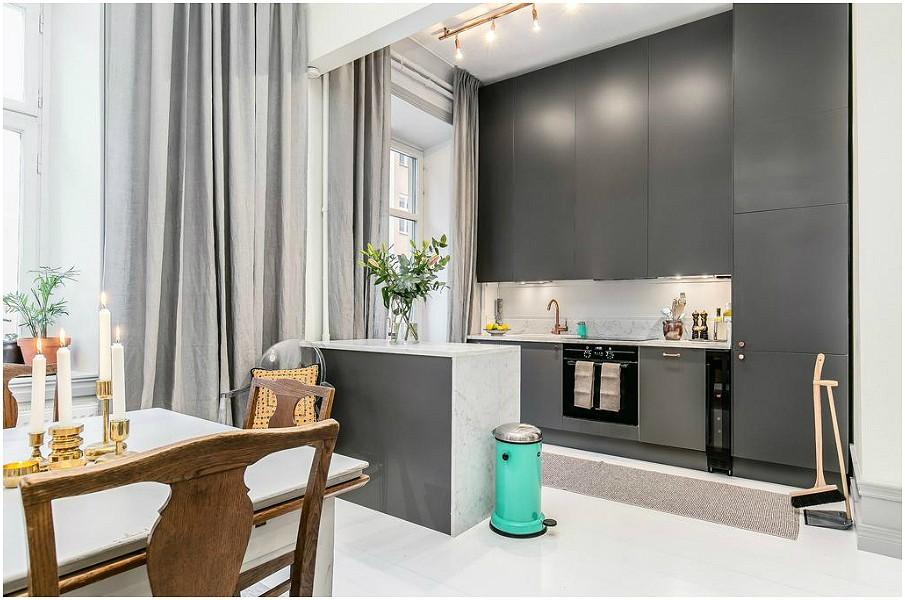 Серая палитра кухни шторы не должны быть темными и тяжелыми