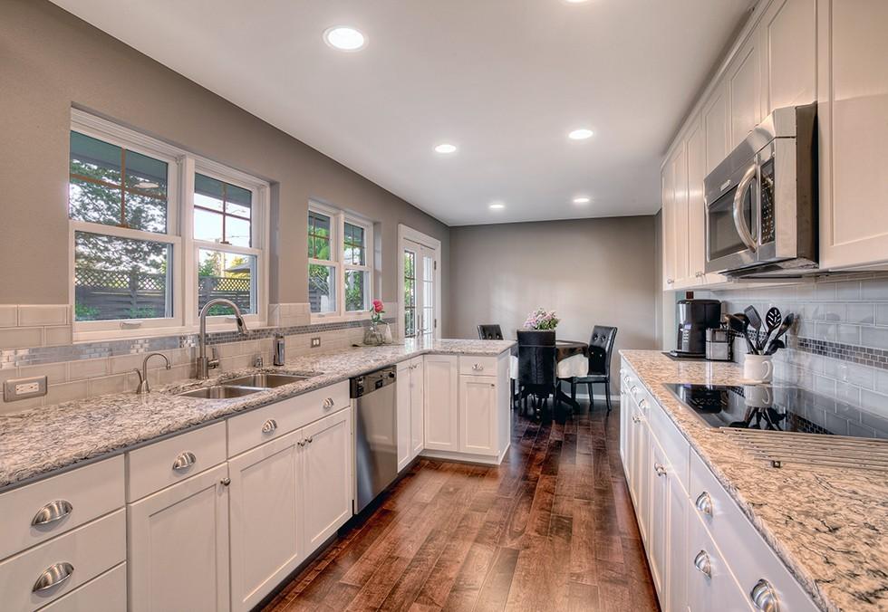 Серая палитра кухни стены жемчужного оттенка