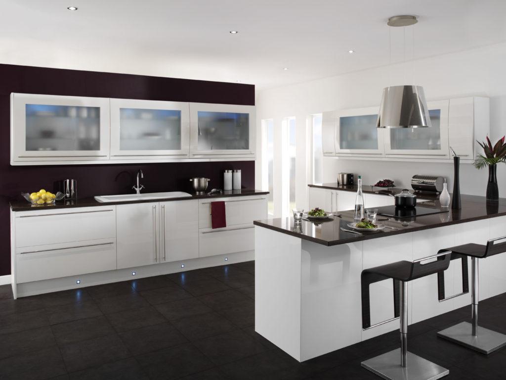 Сочетание цветов интерьер кухни черно-белая