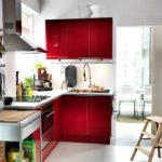 Сочетание цветов интерьер кухни красный на фоне белого