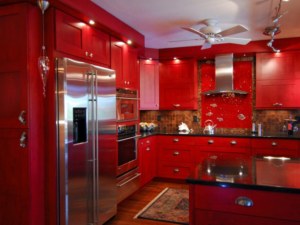 Сочетание цветов интерьер кухни нескучный красный