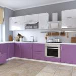 Современная кухня бело-фиолетовая гамма на сером фоне