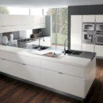 Современная кухня хай-тек серое на белом