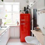 Современная кухня в узком пространстве