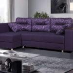 дизайн гостиной спальни фиолетовый диван