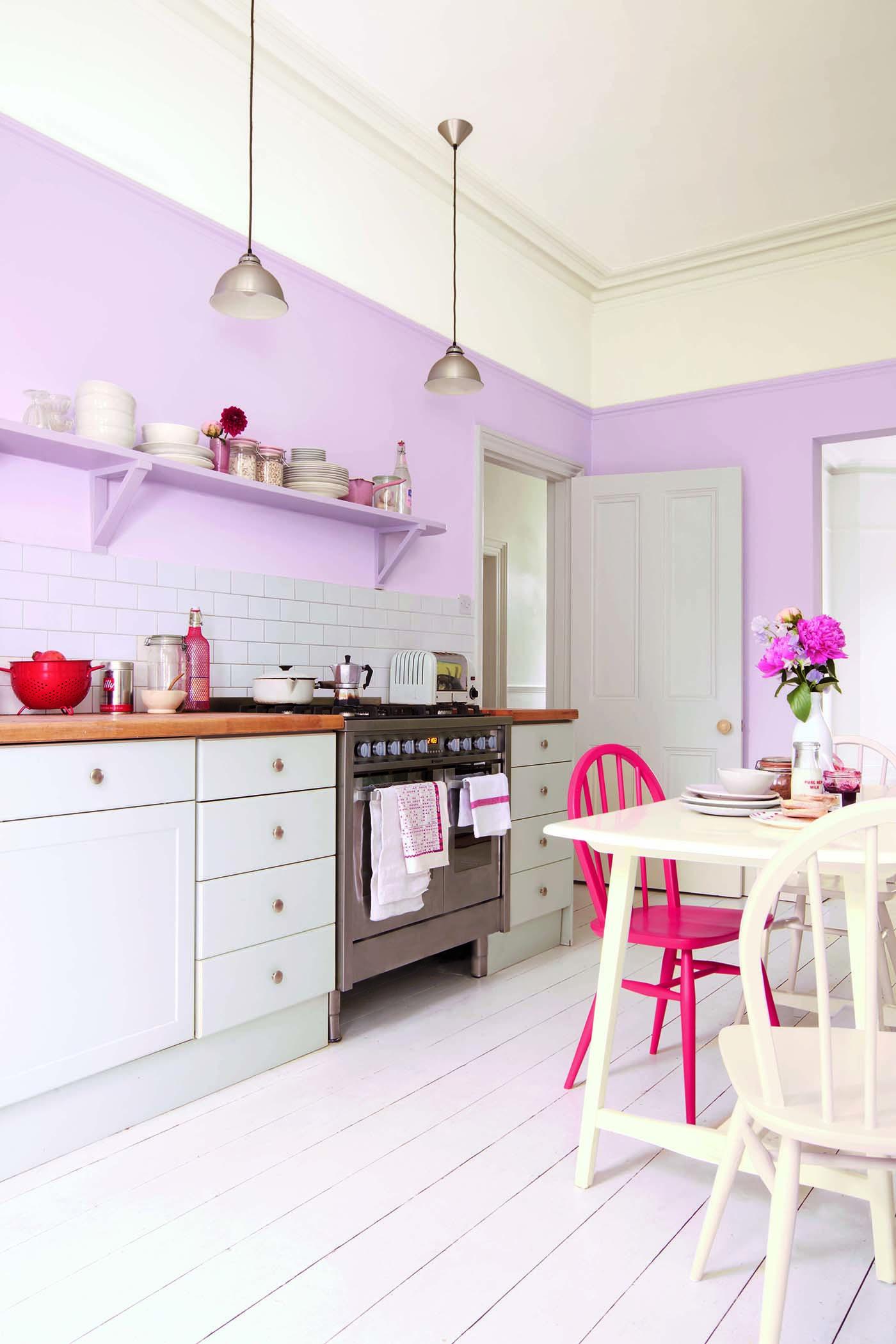 Кухонный стол к фиолетовой кухне