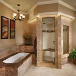 Необычный дизайн бежевой ванной комнаты