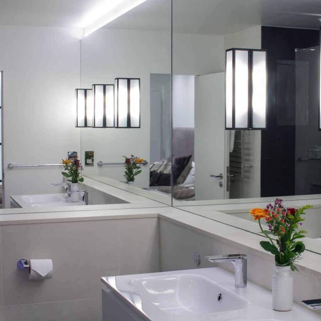 dekor-vannoj-komnaty-zerkala