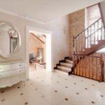 дизайн холла в частном доме фото интерьер