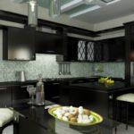 Дизайн кухни в частном доме хай-тек с черным гарнитуром