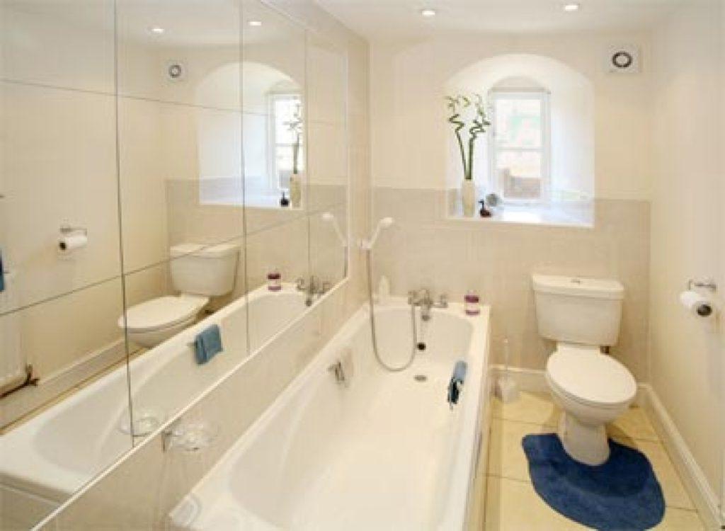 Дизайн ванной комнаты в хрущевке белый цвет и светлые тона