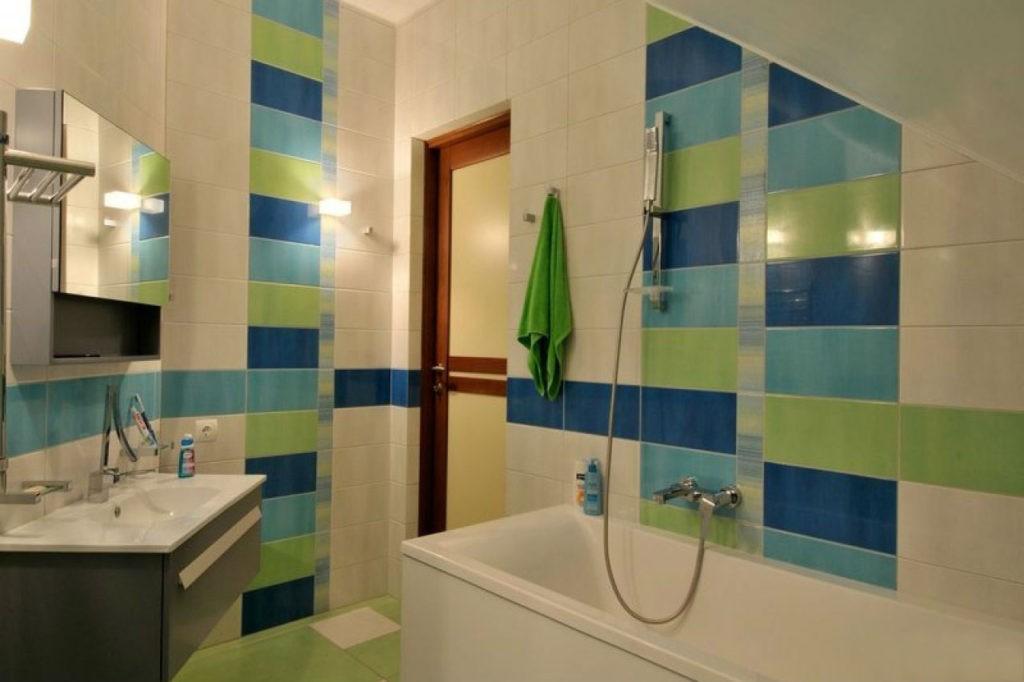 Дизайн ванной комнаты в хрущевке синий и зеленый цвета