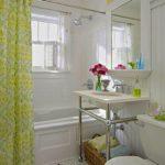 Дизайн ванной комнаты в хрущевке желто-зеленый текстиль