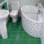 интерьер ванной с керамической плиткой