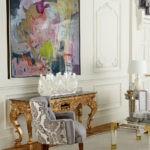Картины в интерьере гостиной классического стиля абстрактный жанр