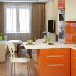 кухня гостиная 18 м2 оранжевые фасады