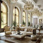 Оформление большой гостиной комнаты частного дома классического стиля