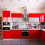 элитный дизайн кухни красный гарнитур
