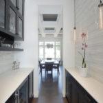 узкая кухня фото