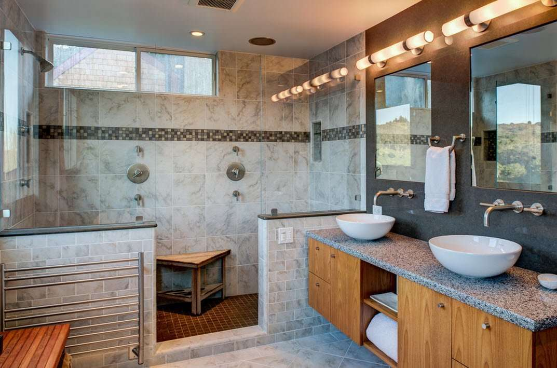 ванная с душевой кабиной фото декор