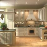 зеленая кухня в доме