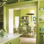 зеленая кухня в квартире