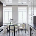декор окна на кухне фото интерьера