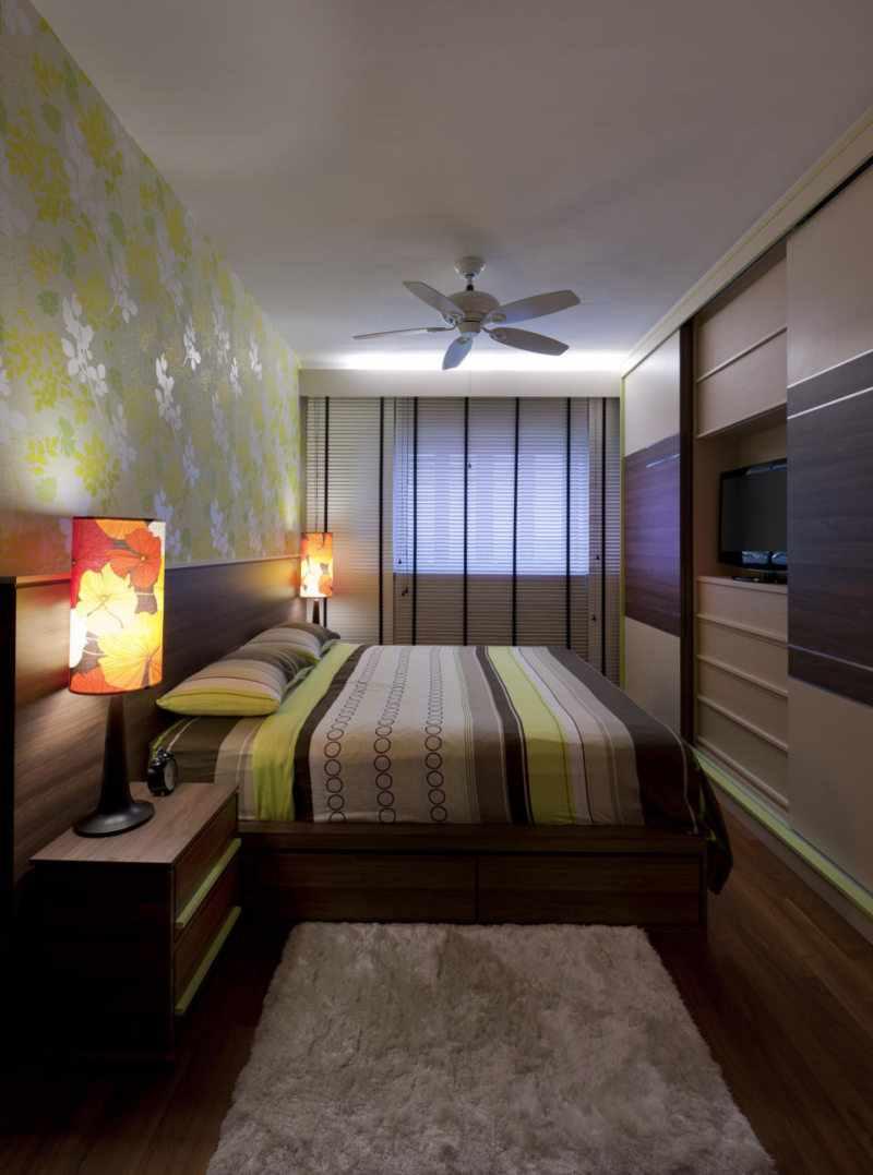 идея светлого дизайна спальни в хрущевке