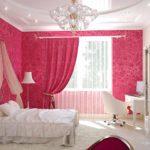 вариант светлого интерьера спальни для девочки картинка